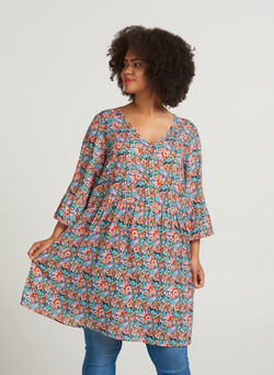 Tunic with 3/4 sleeves